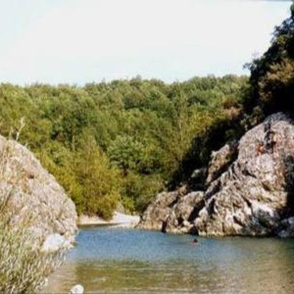fiume-cecina-masso-delle-fanciulle