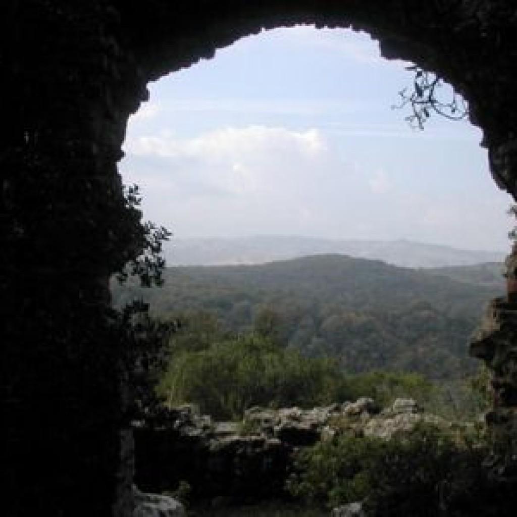 riserva-di-berignone-pomarance-castello-dei-vescovi-panorama
